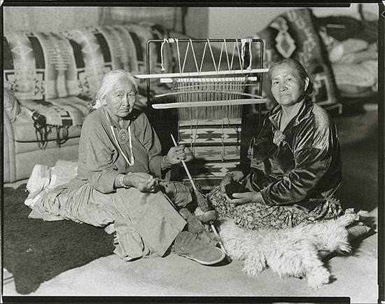 author: Gary Auerbach title: Navajo Blanket Weavers