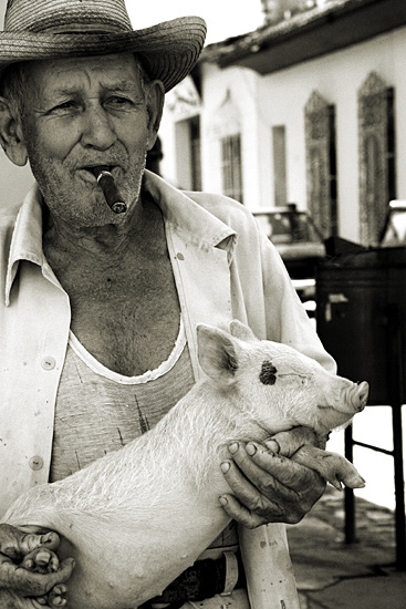 auteur: Stefano Levi titre: Old Farmer with sleeping pig